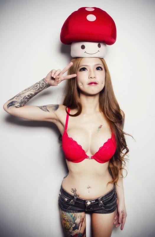nintendo, mushroom, hot nerds, geek tattoos, nerd tattoos, geeky tattoos, hot geeks, geek ink, nerd ink.