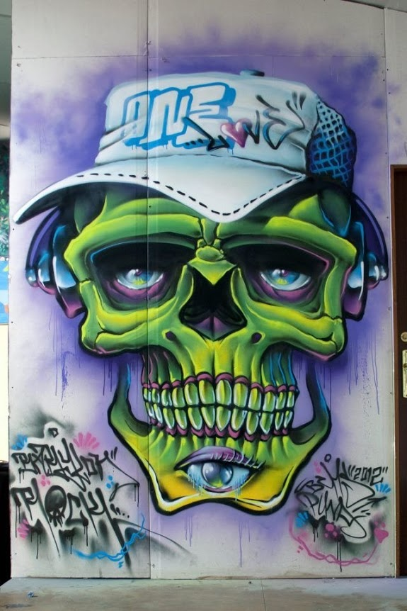 Bichos, Valencia, best of street art, graffiti, urban art, graffiti art, original street art, Mr Pilgrim, art for sale, freewalls.