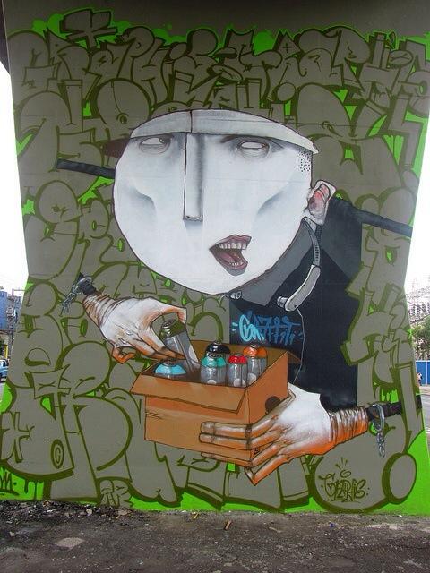Tia Aninha, unique street art, great street artists, free walls, graffiti art.