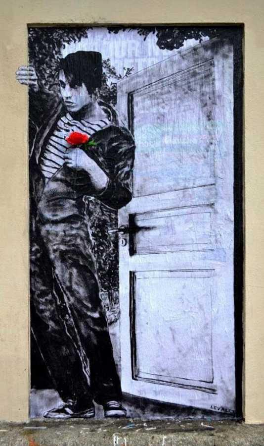 Street art by French artist Levalet | explore street art of the world
