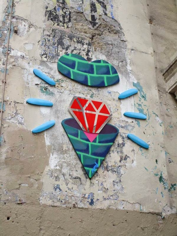 Street art in Paris, France by ReadyMade & Diamant (Photo by EscapadesSA)