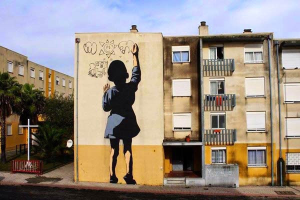 Street art in Sacavem, Portugal by Adres