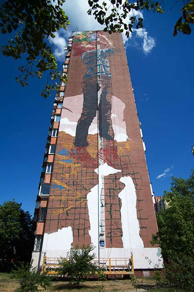 Work in progress in Kiev by urban artist Fintan Magee (photo © Maksim Belousov)