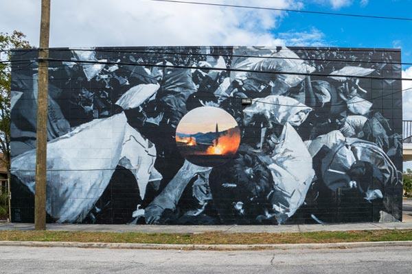 Axel Void . L. E. O. Shine Mural Festival. St. Petersburg, Florida. October 2017. (photo © Iryna Kanishcheva)