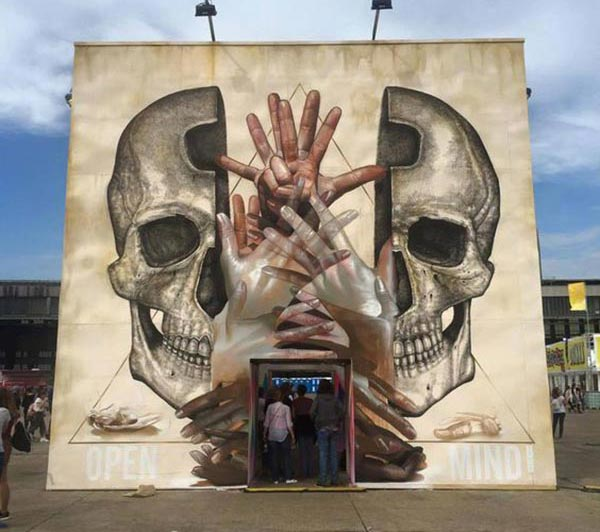 Cool Street Art - Great team up by Alexis Diaz and Case